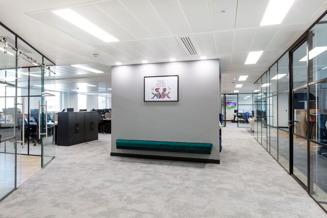 What happens when you work in total unison? A future-proofed, timeless and on-brand workspace that ticks every box.
